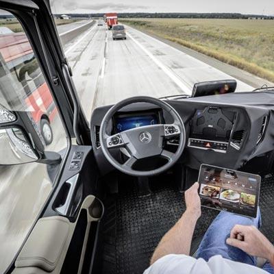 نخستین کامیون خودران جهان