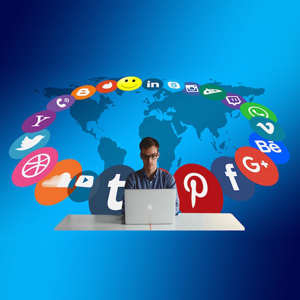 آیا تبلیغات در شبکههای اجتماعی بر فروش آنلاین تاثیرگذار است؟